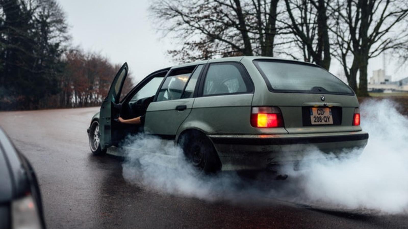 burning-car-smells