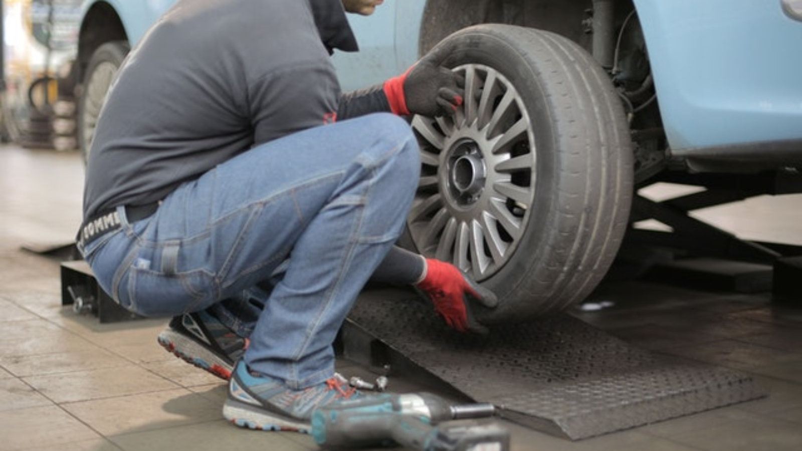 changing-tires-for-winter